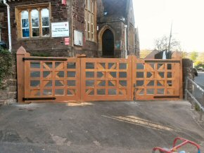 Replacement front entrance gates for Wiveliscombe Primary School (AFTER).